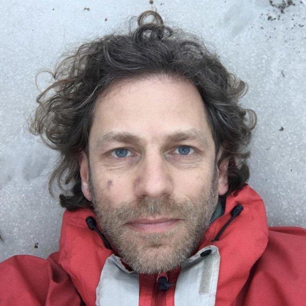 Image of Daniel Harris