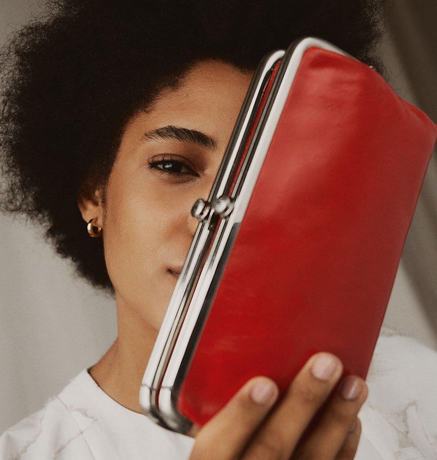 Shop our iconic best selling Lauren clutch wallet