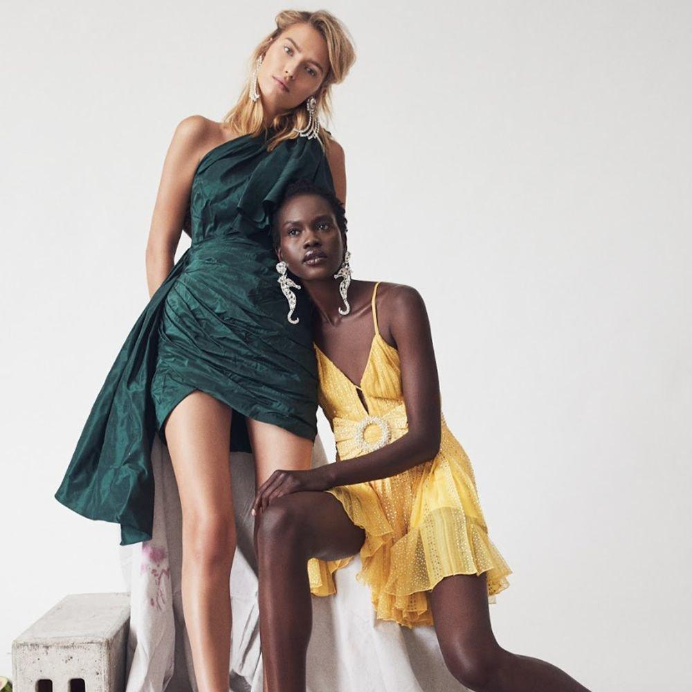 Perempuan kulit putih panjang gaun busana malam, putri ibu penyiangan gaun prom dress